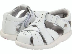 best summer shoes for toddlers with wide feet