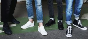 What Shoes to Wear With Jeans Men